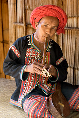 FlutePlayer (Dale Allyn) Tags: thailand hilltribes burma ahka flute music culture cultures itsongselection1 mirrorsofsociety itsongmirrorssoutheastasia itsongcanoneos20d