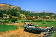 River of dreams (Tan.Sid) Tags: sid tan bhandardara lake dry boat landscape