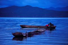 Yunnan Velvia #2 004 (Kelly Cheng) Tags: china people lake cafe velvia yunnan luguhu lptransport pickbykc