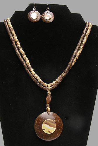 Coco shell wood mop necklace and earrings 0805