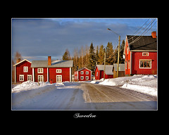 In the afternoon sun (~Frida*~) Tags: winter snow village sweden 05 scandinavia norrland redhouses falurd josse vsterbotten photofans hittaintressanta fridagruffman raggvaldstrsk