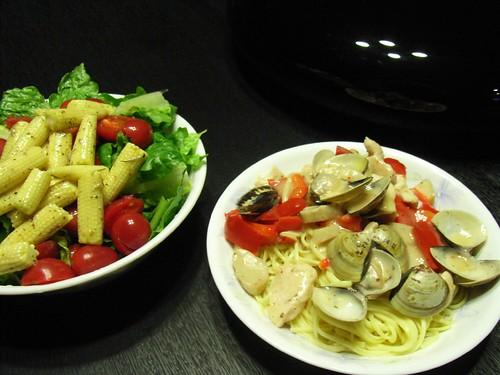 雞胸肉,海鮮蘑菇,義大利麵&沙拉