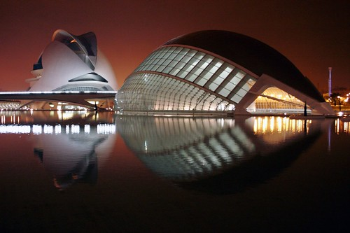 City of Arts and Sciences - Valencia: A Bike Tour In The Turia Gardens In Search For Free Attractions