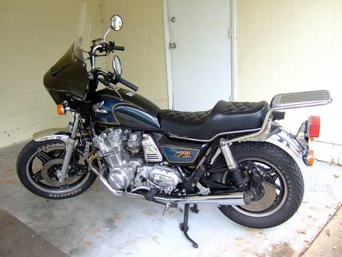 CB900C640