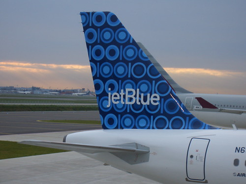 Yahoo & JetBlue Partner to Test Free Wi Fi on Flights