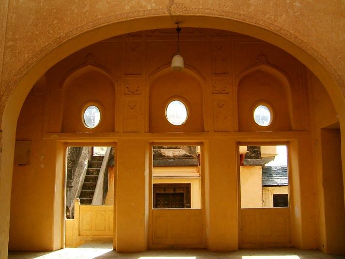 Neemrana: windows and doors