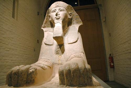 2005_0224_122853ab Sfinx van Hatsjepsut por Hans Ollermann.
