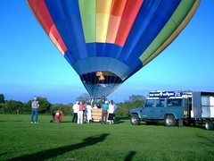 IMAG0217 (yxxxx2003) Tags: ballon balloon hot air milton keynes olney hotairballon balon baloon 2007 mk yxxxx new red blue yello green