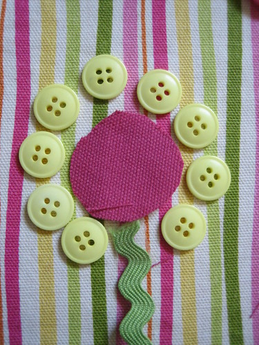 ric-rac stem, fabric center, button petals