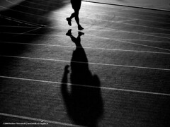 Runner (stefano moscatelli) Tags: training e runner triathlon bianco pista nero corsa maratona atletica