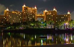 Atlantis Royal Towers at Night (Ricardo Carreon) Tags: topf25 topv2222 night reflections topf50 topf75 nightshot topv1111 towers lagoon resort atlantis explore topv5555 bahamas nassau topv3333 topv4444 topv6666 topv7777 royaltowers cy2 challengeyouwinner superhearts explore01jun2007