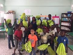 IMG-20161210-WA0081 (comcenter04) Tags: sabana grande batey verde operativo juguetes 2016