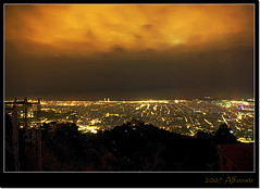 Barcelona de noche (v2.0) (alfonstr) Tags: barcelona sky night lights luces noche pentax cel cielo nocturna kdd tibidabo nit llums panormica alfons supershot k10d ltytr1 alfonstr ysplix