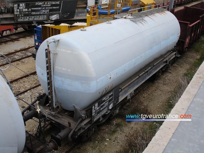Un wagon citerne SNCF de transport de désherbant d'une contenance de 58000 litres
