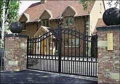 gates 32