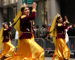 (Sepideh!) Tags: newyorkcity people woman ny newyork love colors beautiful smile yellow liberty happy freedom march persian women peace dancers dancing iran manhattan joy culture folklore explore iranian theunitedstatesofamerica freedomofspeech 2007 persianparade folkloric sepideh iraniancommunity iranianamericans