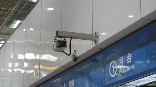 夜間婦女候車區攝影機