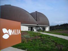 MUJA (xaluanin) Tags: espaa spain asturias museo colunga lastres jurasico muja
