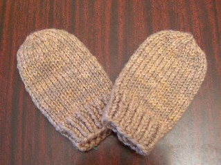 Knitting Pattern For Toddler Mittens With Thumbs : Ravelry: Baby Mittens pattern by Kaitlyn Wong
