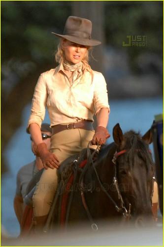 nicole-kidman-horseback-03