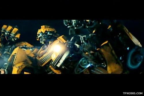 Pelicula de Transformers: Bumblebee pelea