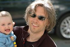 diesem lieben Mann... (sajak, nicht mehr nur noch@ipernity) Tags: baby sweet sunglases lachen olli vater sonnenbrille milla glcklich s glck