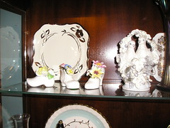 Top shelf #1 (den_mama2) Tags: old chinese auctions plates antiques collectables vases depressionglass oillamps desirable antiquechina chinateasets brassfine chinaantique clocksclockscollector