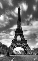 Eiffel Tower BW (Delox - Martin Dek) Tags: blackandwhite bw paris france photoshop manipulated iso100 nice europe forsale pentax eiffeltower eu eiffel eifel toureiffel excellent amateur f11 hdr europeanunion eifeltower 4sale buyit 3xp photomatix da1855 scoreme42 bwhdr k10d pentaxk10d superaplus aplusphoto delox ysplix