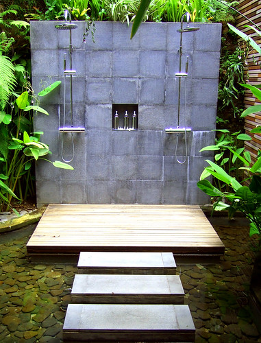Outdoor showers @ Maya