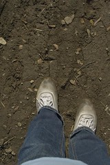 muddy_balloons_24 (sneaker lover) Tags: white fetish balloons shoes dirty canvas worn sneaker muddy keds