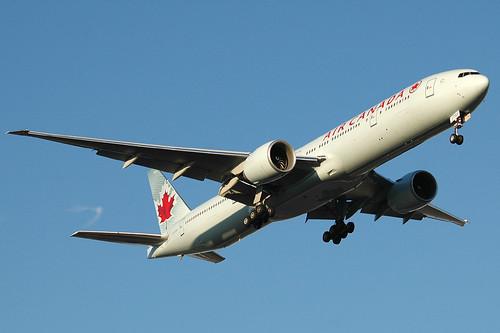 Air Canada 777-333ER C-FITU