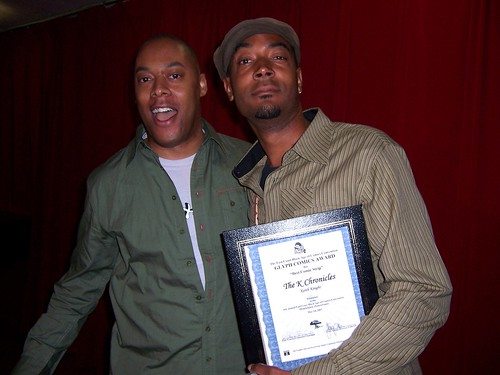 Masheka Wood Presents Keith Knight with the Glyph Award for Best Comic Strip (The K Chronicles)