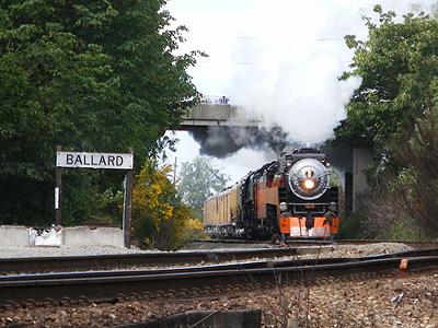 4449 & 844 at Ballard Station