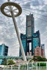 Rascacielos.Skyscrapper (ironde) Tags: rascacielos skycrapper ironde errazkin jon nikond7000 kaohsiung tuntex taiwan 2016 cielo gris gray cables