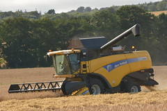 New Holland CX8040 Combine Harveters cutting Winter Barley (Shane Casey CK25) Tags: new holland cx8040 combine harveters cutting winter barley cnh nh yellow midleton grain harvest grain2016 grain16 harvest2016 harvest16 corn2016 corn crop tillage crops cereal cereals golden straw dust chaff county cork ireland irish farm farmer farming agri agriculture contractor field ground soil earth work working horse power horsepower hp pull pulling cut knife blade blades machine machinery collect collecting mähdrescher cosechadora moissonneusebatteuse kombajny zbożowe kombajn maaidorser mietitrebbia nikon d7100
