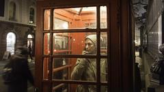 London calling (Jarelgran) Tags: london londres cabina telephone telefono mujer llamada llamar rojo invierno frio
