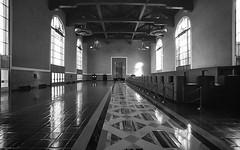 Old Ticketing Hall, Union Station (brian-moore) Tags: kodaktrix unionstation canon f1 fd174 rodinal architecture