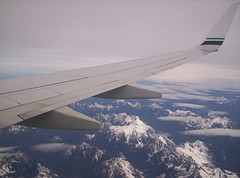 B737 over the Cascades (thinkinginthebox) Tags: