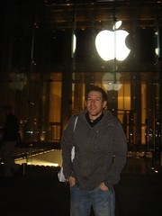 apple store-christophe (CBonline) Tags: newyork work michael fifthavenue christophe bigapple