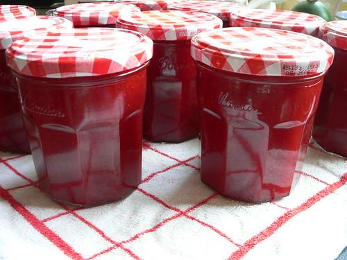 Erdbeermarmelade- Strawberry jam by qusic.