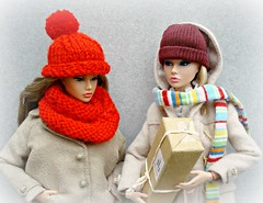 "A-Z Challenge: ""Y - Yarn"" (Deejay Bafaroy) Tags: azchallenge yyarn az challenge y yarn fashion royalty fr integrity toys doll dolls puppe puppen barbie poppy parker eveningingenue thewildthing outdoors draussen portrait porträt red rot stripes streifen striped gestreift cap mütze scarf schal winter parcel packet päckchen paket 16 scale playscale miniature miniatur"