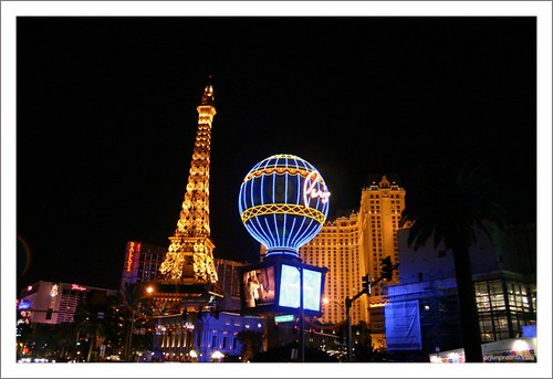 Effiel Tower at Paris - Las Vegas