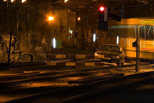 Une voiture dans les tunnels tram...