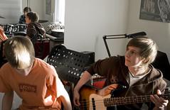 Recording session (Siggidóri) Tags: music students studio drums raw nef bass guitar recording lightroom electricbass recordingsession bassi adobergb hljómsveit nemendur upptökur trommur hljóðver musicstudents samspil tónlistarskólireykjanesbæjar
