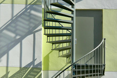 Grey Door (Pieter Musterd) Tags: door shadow wall stairs psp grey schaduw trap escaleras deur grijs muur panasonicdmcfz30 pieter007 superaplus aplusphoto superhearts
