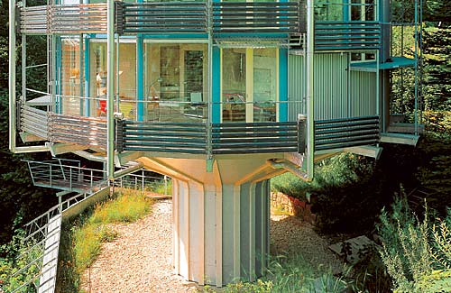 Rolf Dischs Heliotrop Rotating House
