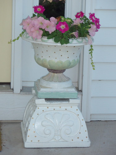 One of two urns