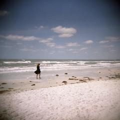 Sarah a la plage - by robholland