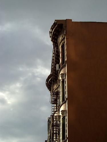 LES building
