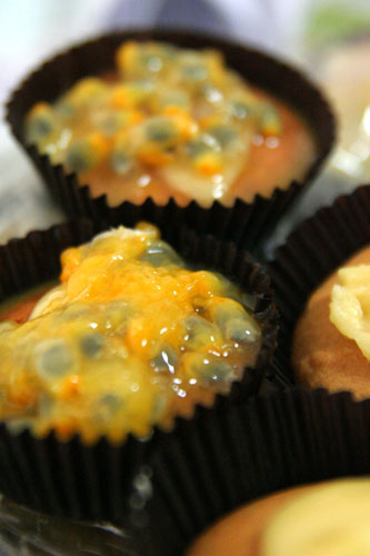 Banana passionfruit cupcakes